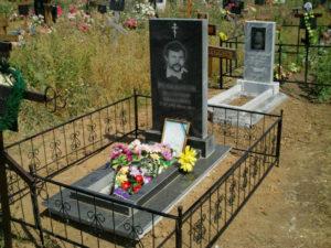 Памятник вертикальный на могилу, цена