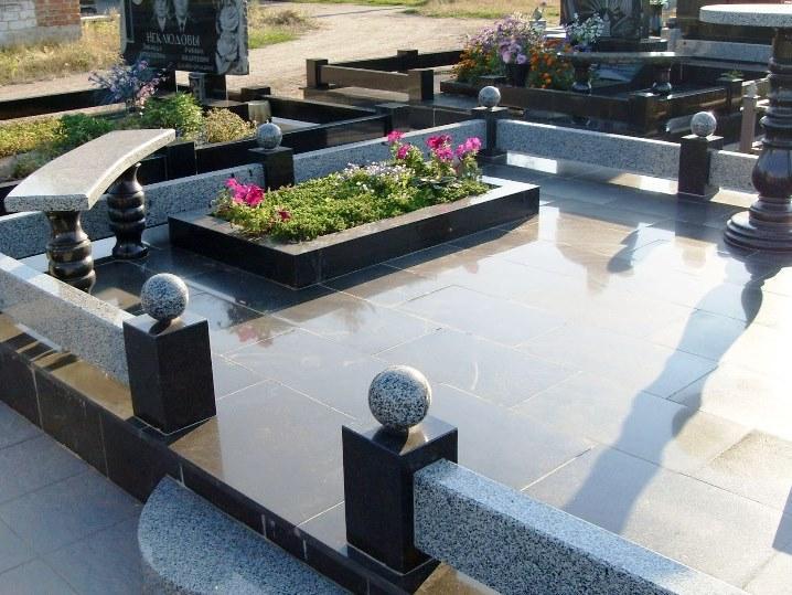 ограда на кладбище в Гомеле