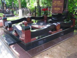 Декоративный цоколь на могилу - Pomnivek.by